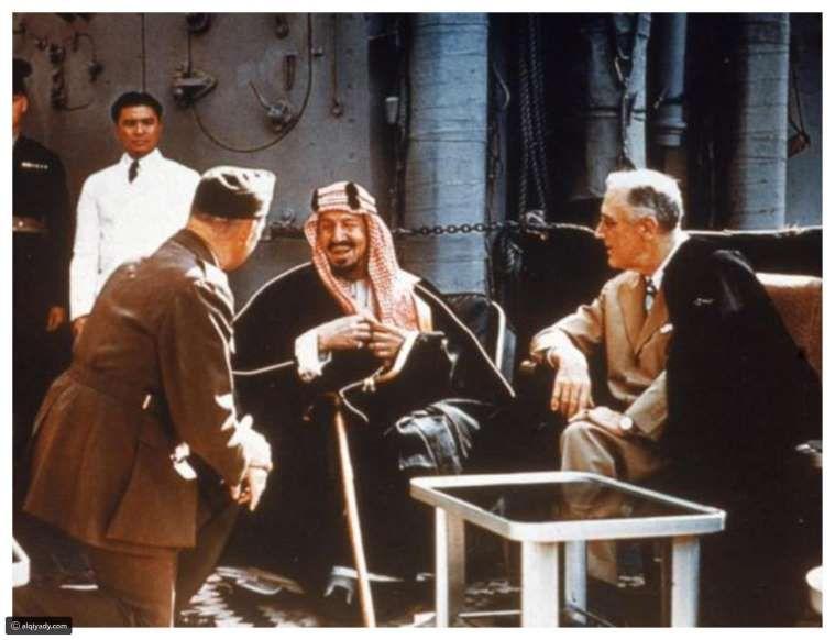 الملك المؤسس الراحل عبدالعزيز بن سعود يلتقي الرئيس الأمريكي الراحل فرانكلين روزفلت القيادي Royal Family Talk Show Face Art