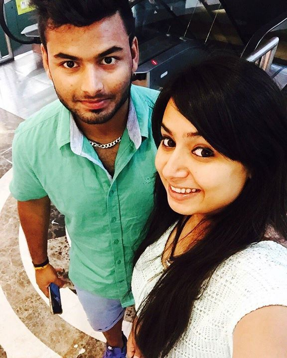 Rishabh Pant with his sister Sakshi :) For more cricket fun click:  http://ift.tt/2gY9BIZ - http://ift.tt/1ZZ3e4d   Latest cricket news,  Cricket, Cricket news
