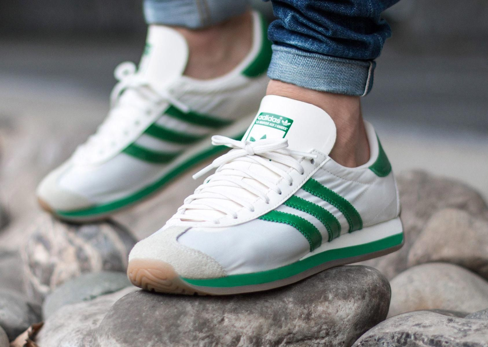 Pickering 鍔 Sombra  Adidas Country OG 'Chalk White/Green/Gum' 2016 | Sneakers men, Sneakers,  Stylish sneakers
