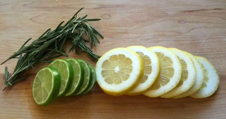 Mete limón lima y romero en un frasco de conservas. El resultado lo necesitarás éste verano #viral