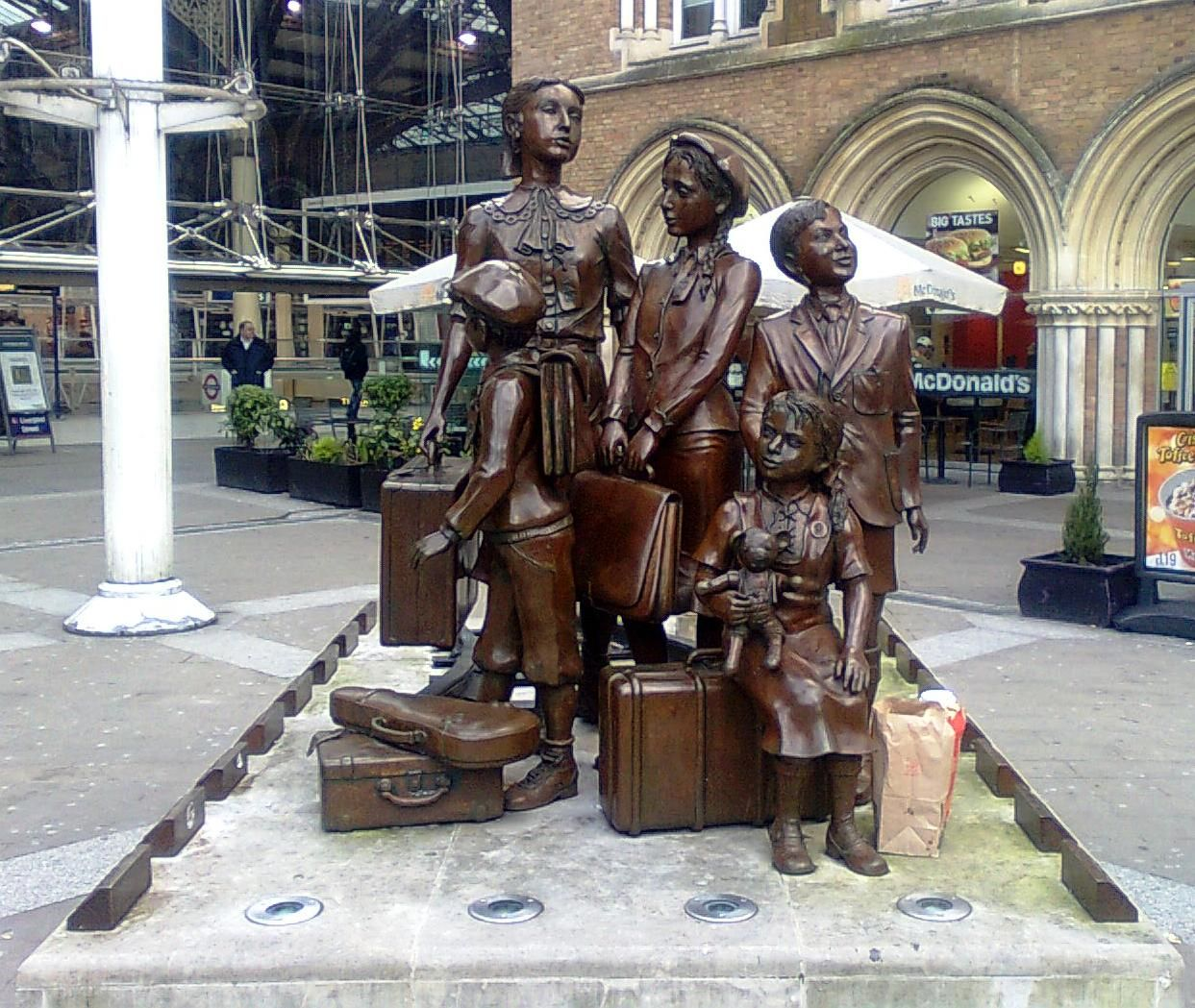 Image result for kindertransport statue at liverpool street station