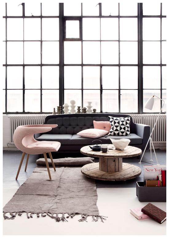 roze zwart lichtroze oudroze stoffige roos industrieel wonen grijs decor