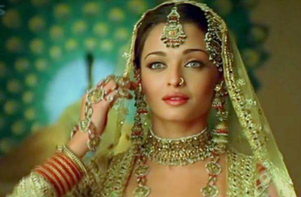 Aishwarya Rai Umrao Jaan Buscar Con Google Wedding Dresses For Girls Indian Bridal Asian Bride