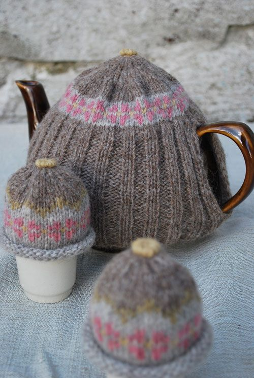 knitted teacosy-cant get to this site but its a good picture to ...
