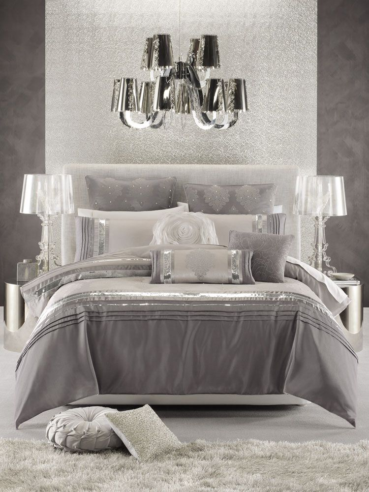 Attrayant Glamorous Bedroom In White, Silver And Shades Of Grey