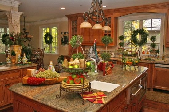 Tuscan Holiday Decorating | Saratoga: Contemporary Tuscan Home In High  Holiday Decor « Lookiloos