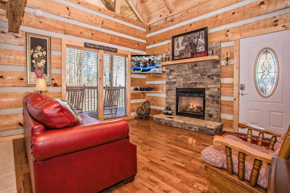 Outskirts Of Heaven 2 Bedroom Cabin Rental Cabin Rentals