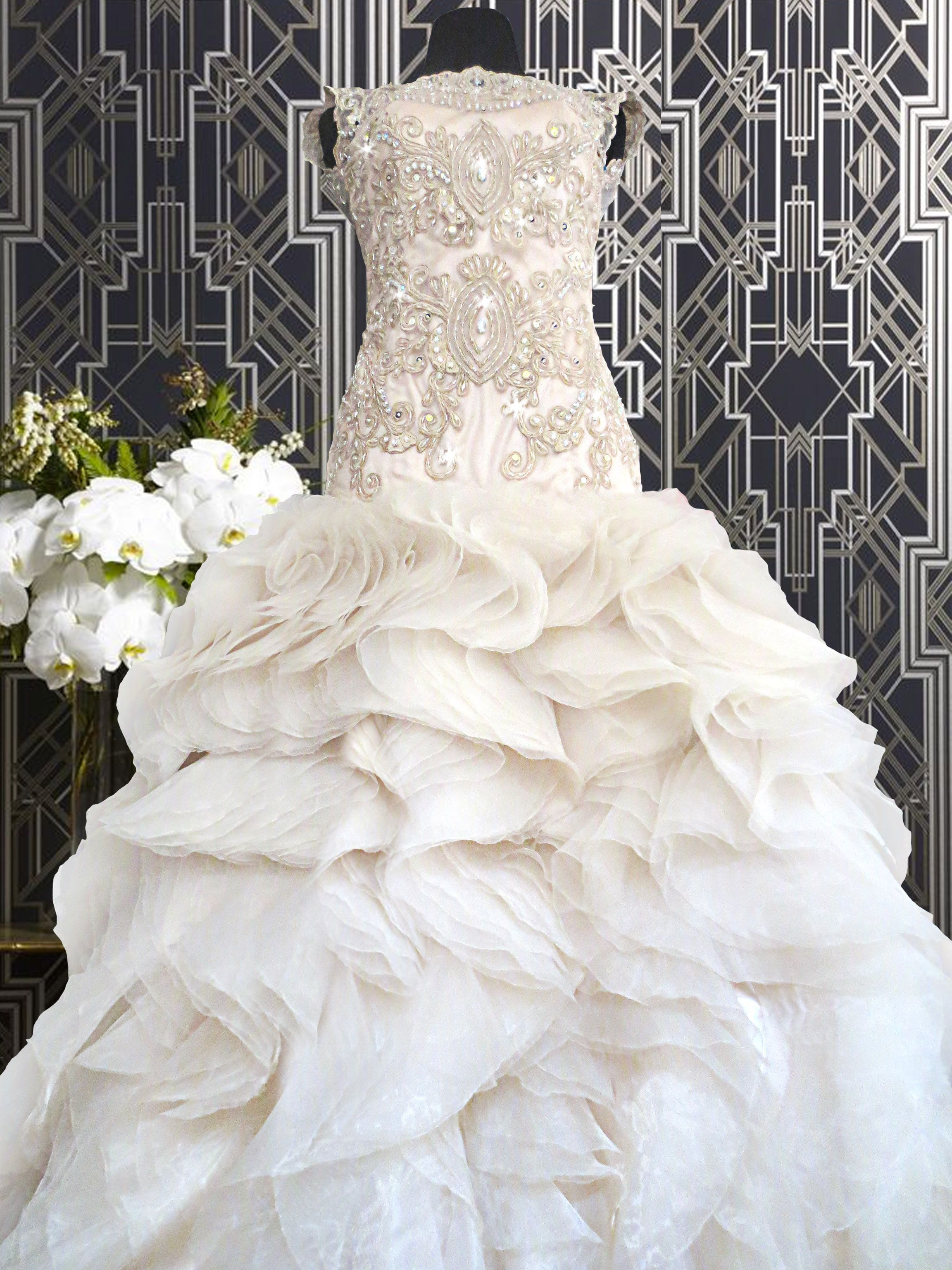 Extravagant Wedding Gown In Manila Quezon City It Has A Great Gatsy Luxurious Feel