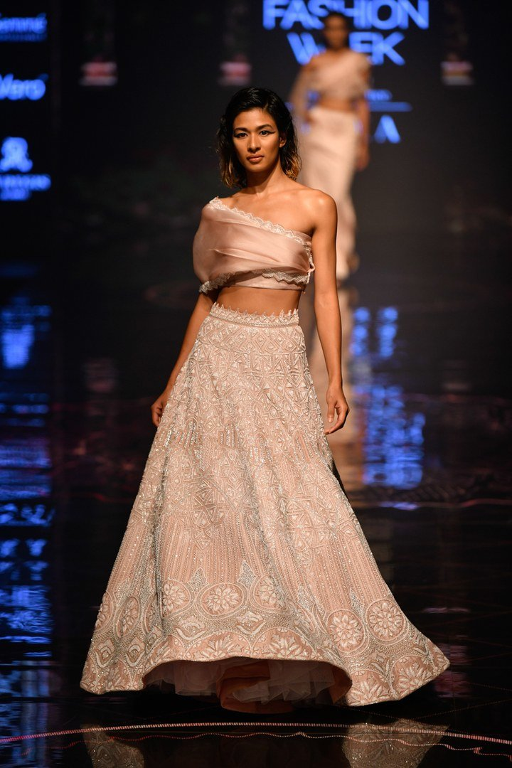 Pin by Nitigya Jha on #glam   Designer bridal lehenga ...