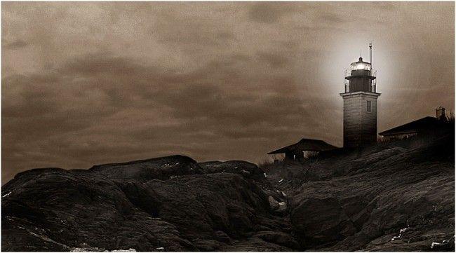 Beavertail Lighthouse in Jamestown, RI by Chris Hunter, NewportRIPhotos.com