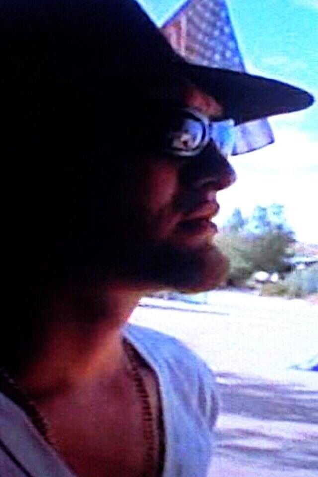 Layne Staley From Down In A Hole Videoclip Sunglasses Cowboy Hat White T Shirt Staley Layne Staley Alice In Chains