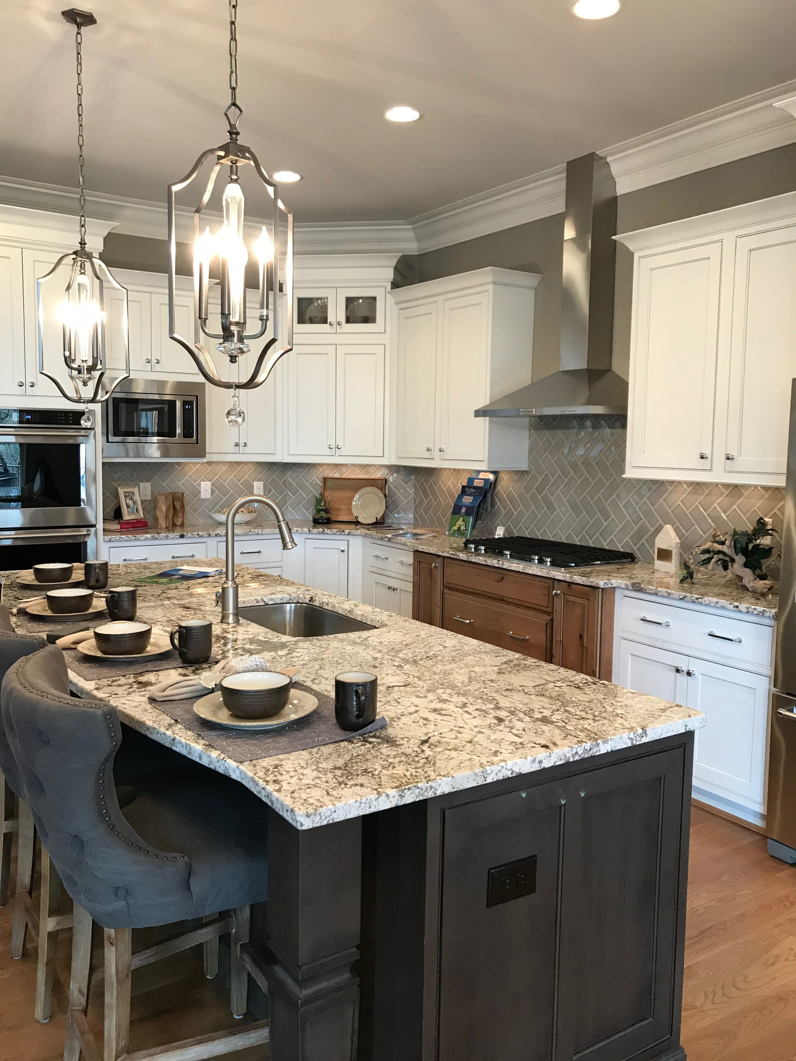 Mixed Cabinet Colors Probably Prefer 2 Rather Than 3 Kitchen Design Kitchen Remodel Modern Kitchen Design