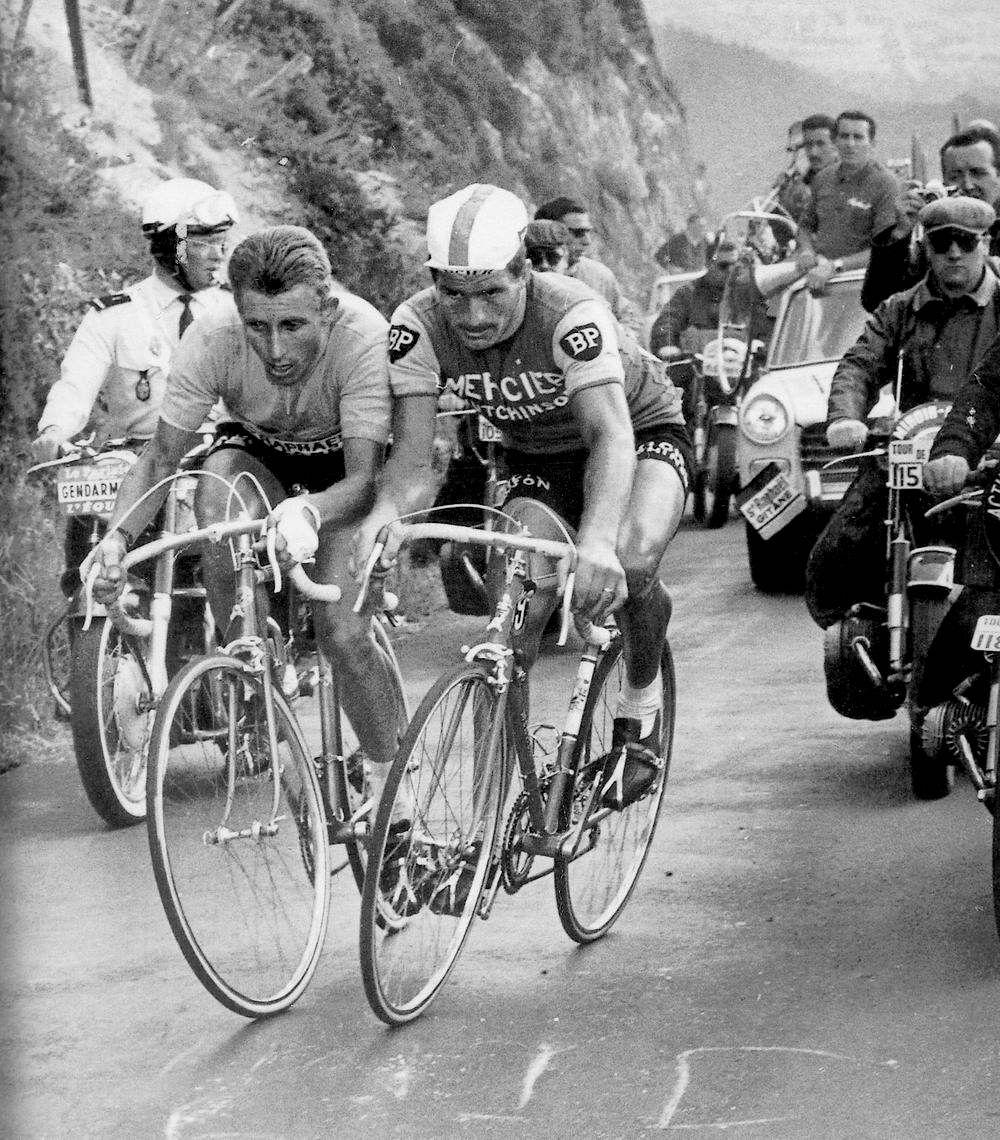Tour de France 1964. 20^Tappa, 12 luglio. Brive > Puy-De-Dôme. Jacques Anquetil (1934-1987) e Raymond Poulidor (1936)