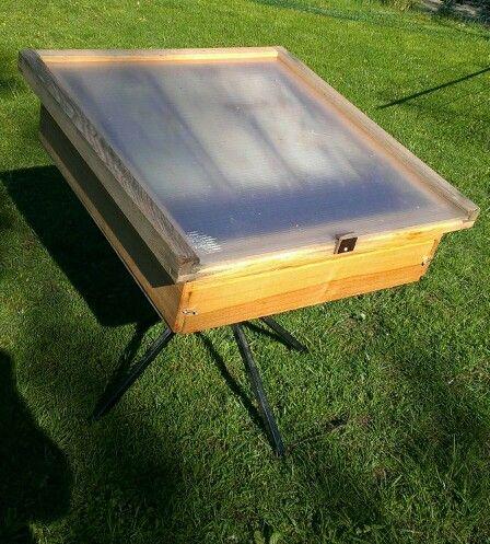 sonnenwachsschmelzer beekeeping pinterest bienen sonne und sonnenwachsschmelzer. Black Bedroom Furniture Sets. Home Design Ideas