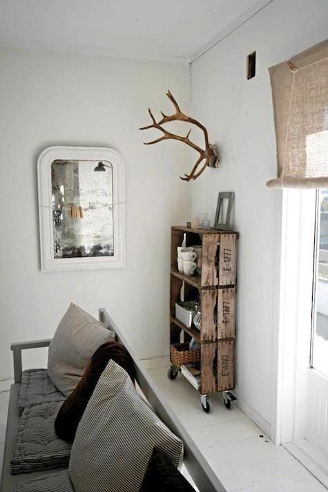 o trouver des caisses de bois pour sa d co neutral but not indifferent cajones de fruta. Black Bedroom Furniture Sets. Home Design Ideas
