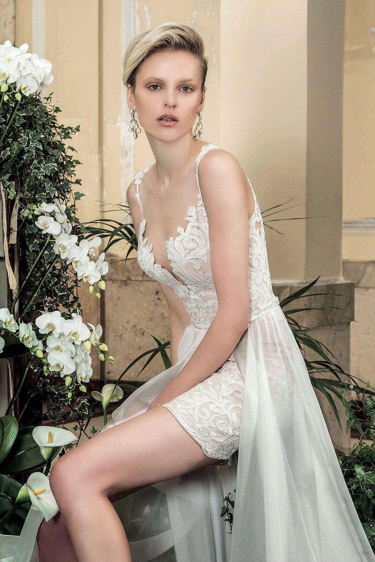 a63c6ff47d76 Valentini ambra v1120 Abito da sposa corto con pizzo rebrodè. Base vestito  color nude con