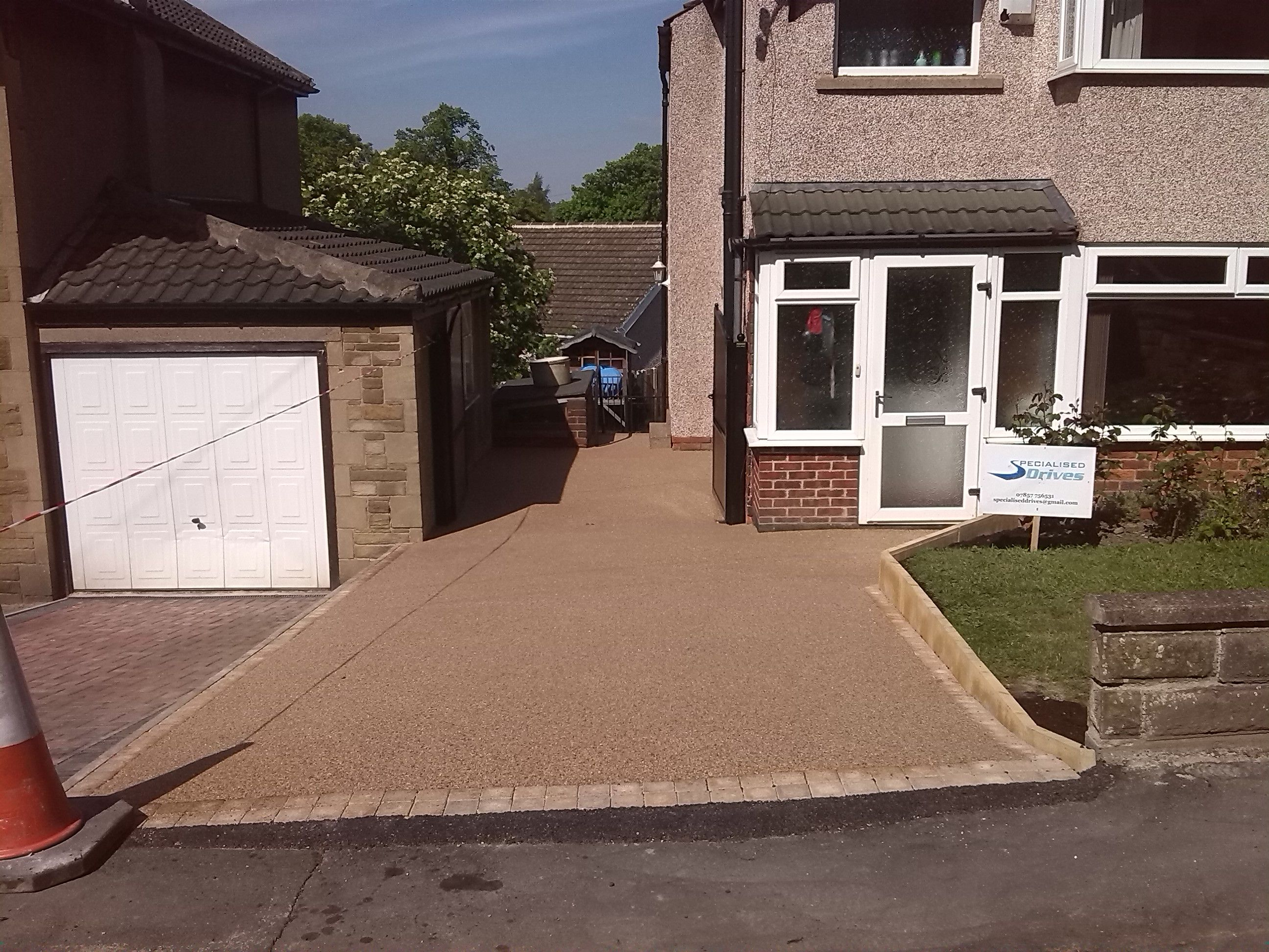 AFTER - RESIN BOUND DRIVEWAY