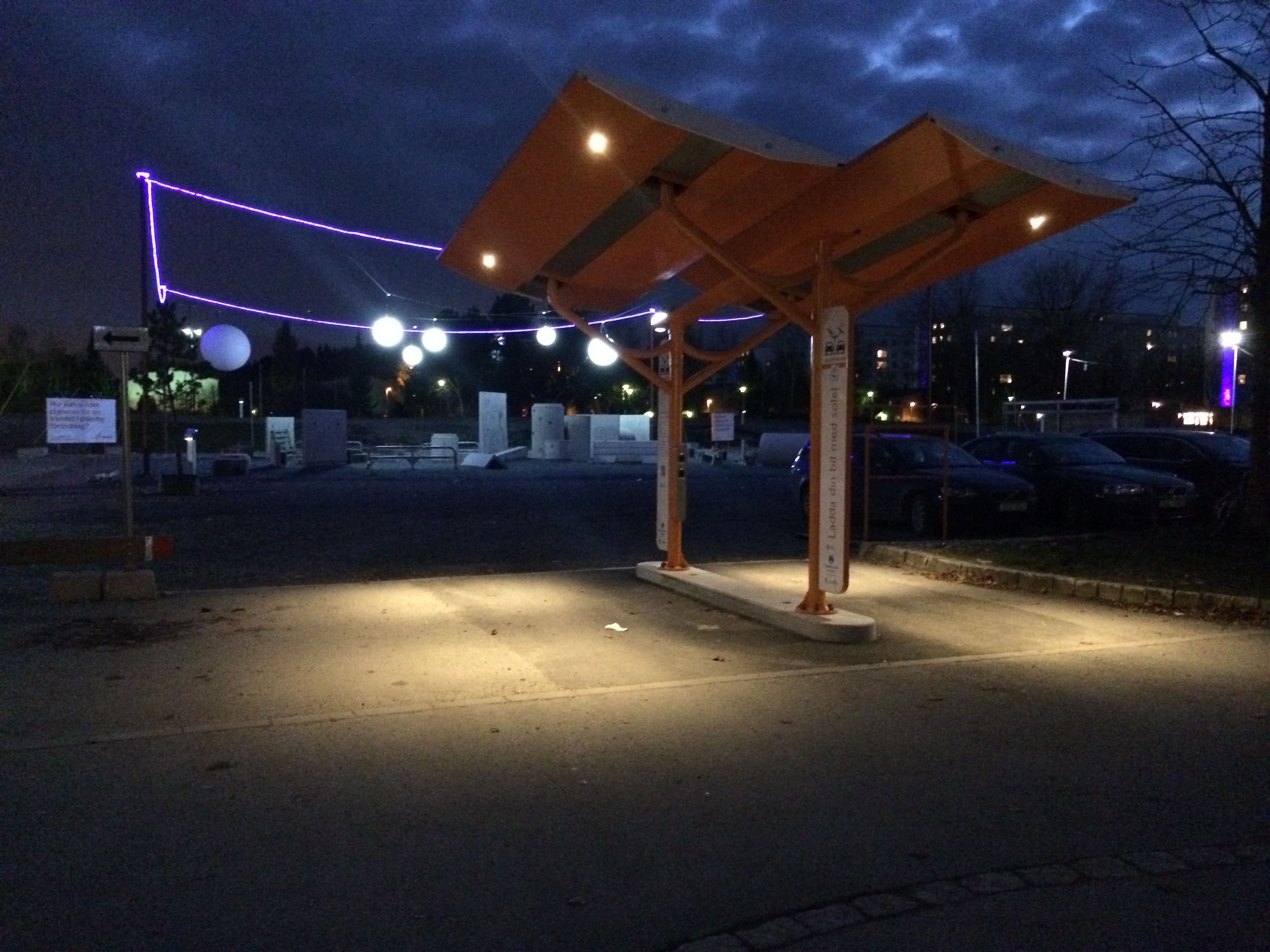 Solar charging during night - SunBank! #EV #solarcharger #electricvehicle