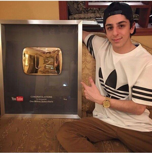 Pin By Korop9 On Faze Youtube Stars Youtubers Youtube