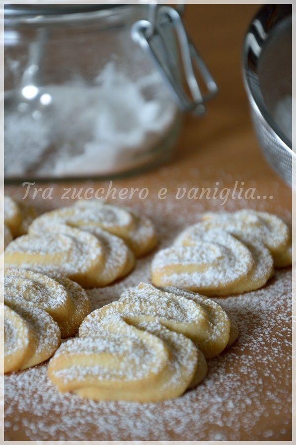 Viennesi alla vaniglia - Tra zucchero e vaniglia
