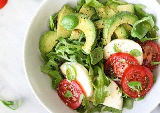 Healthy and Delicious Avocado Caprese Salad