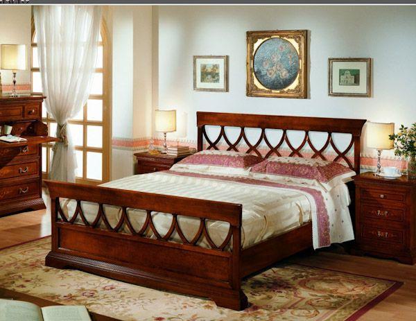 Camere da letto in stile classico o coloniale, armadi, comò ...