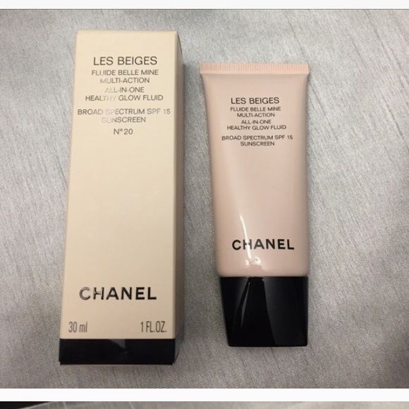 CHANEL Les Beiges healthy glow fluid - N20 NEW! Brand new in box. Never used. Retails for $59. versatile ultra-lightweight makeup fluid. Contains a hyaluronic acid derivative to ensure comfort & instant hydration Features sheer color that adds a natural healthy glow to skin Provides broad-spectrum UVA/UVB protection Creates an even soft smooth & moist complexion Oil-free dermatologist-tested non-comedogenic & tested on sensitive skin. Make me an offer. CHANEL Makeup Foundation
