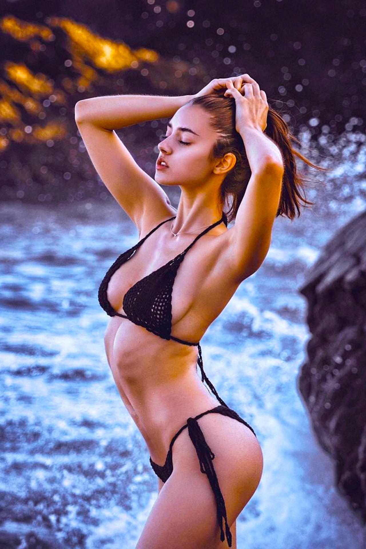 Instagram 2019 Sarah Curr naked photo 2017