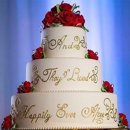 Nous Vous Presentons Quelques Idees Pour Thematiser Au Mieux Son Mariage Sur La Belle Et La B Disney Wedding Cake Beauty And Beast Wedding Disney World Wedding