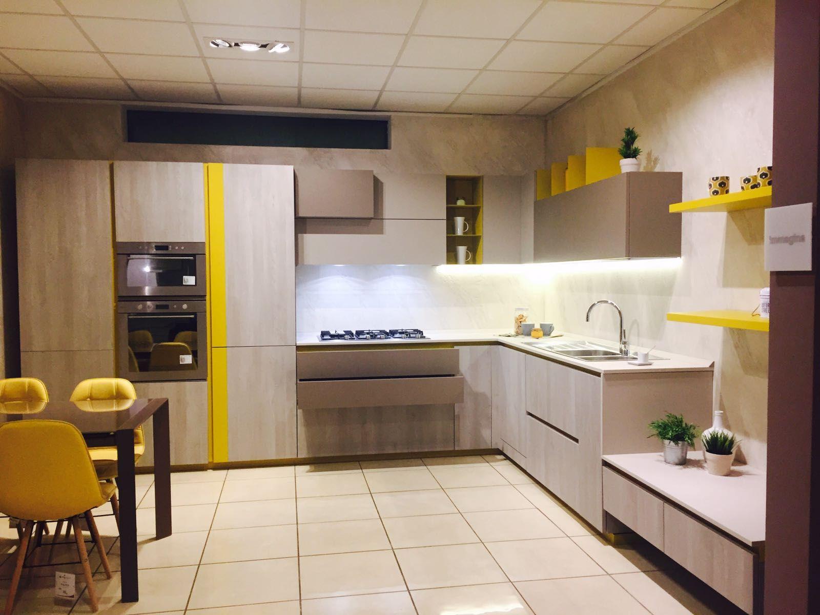 In #cucina con Immagina di Cucine LUBE nella versione Abete Grigio ...