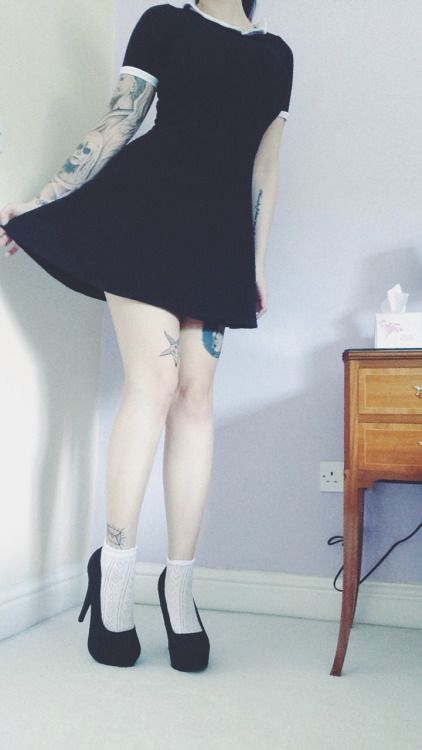 w0lfsbaneblooms:  Little goth girl every day