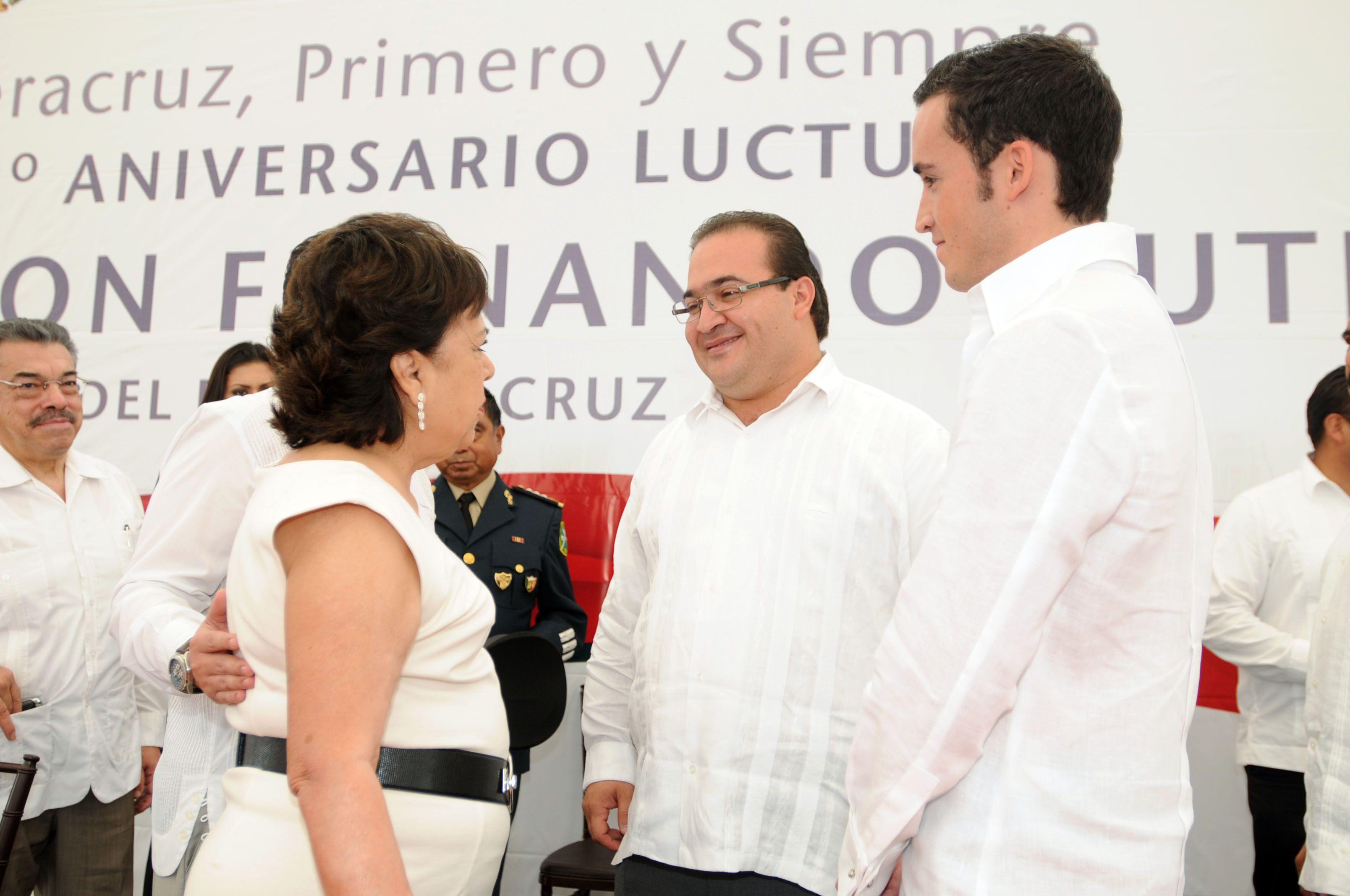 En Presencia De La Senora Divina Morales De Gutierrez