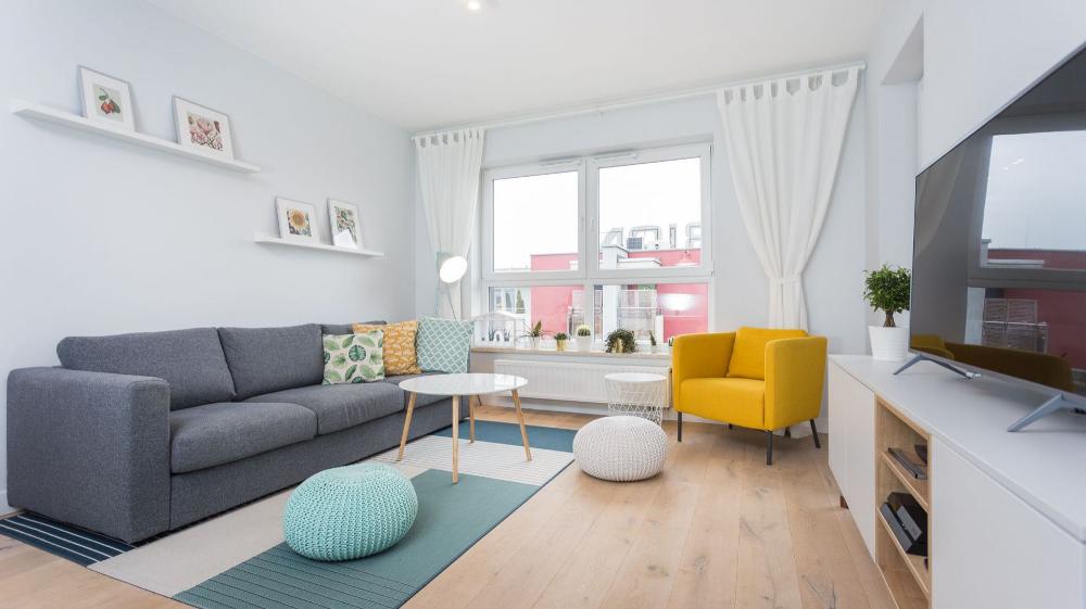 Mieszkanie W Bloku 15 Pomyslow Na Szary Salon Galeria Dobrzemieszkaj Pl Living Room Grey Home Decor Room