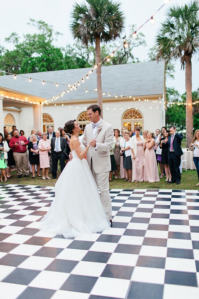 Elegant Southern Wedding At The 1928 Ribault Club On Fort George Island Fab You Bliss Southern Wedding Ribault Club Wedding Outdoor Dance Floors