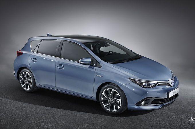 Toyota Auris Facelift 2015