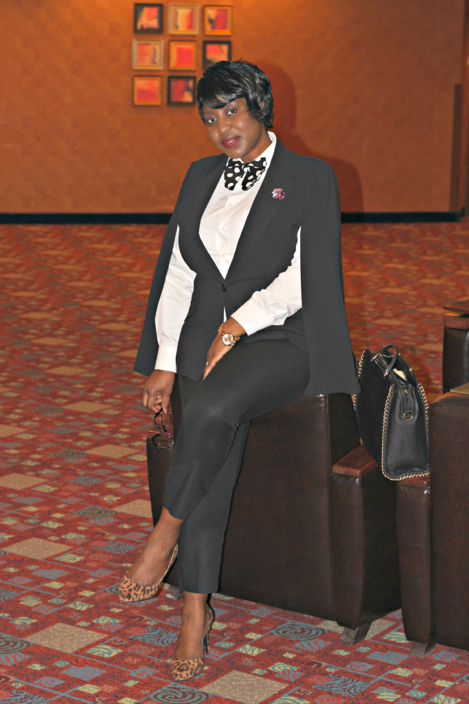 Like a boss Cape blazer with bow tie Hypnoz Glam