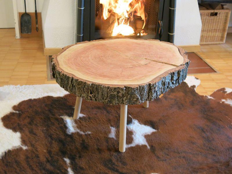 Mobel Holzundschon Baumscheibe Couchtisch Coffeetable Ein Designerstuck Von Holzundschoen Bei Holzscheibe Tisch Wohnzimmertische Couchtisch Baumscheibe