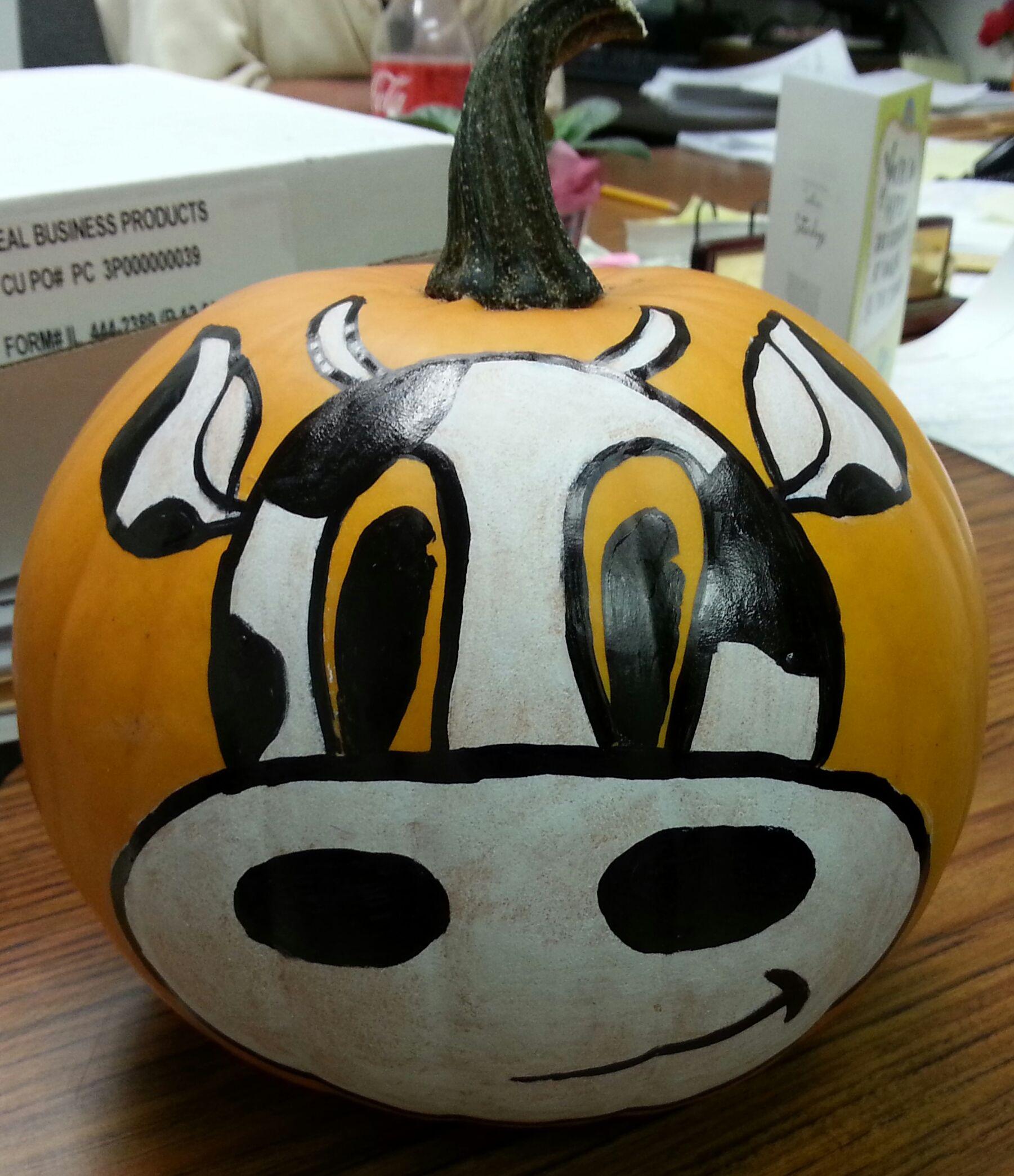 Cow pumpkin so cute :) | Painted Pumpkin | Pinterest | Cow