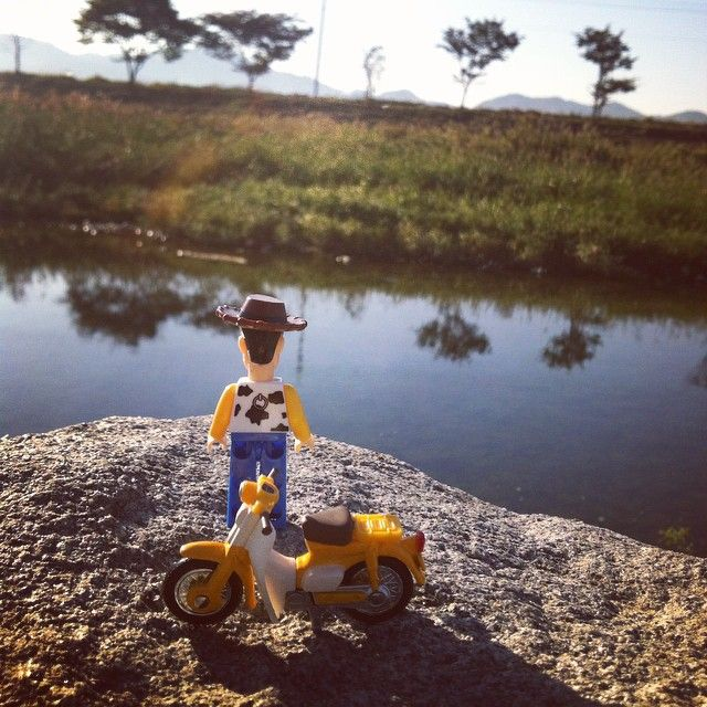 #lego #legos #legomania #toy #toystory #woody #rest #relax #bike #honda #littlecub #cub #bricks #tomica #레고 #브릭스 #토이스토리 #우디 #혼다 #리틀커브 #커브 #토미카 #쉬고싶다