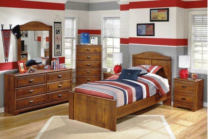 Jungen Kinderzimmer Hölzerne Möbel Im Zimmer Schrank Bett Spiegel