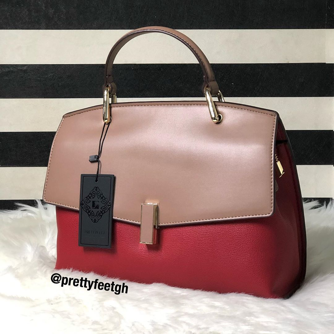 Bag available for GHC 200 Call  whatsapp 054 897 9268  0548319559  0546674009 Delivery option available