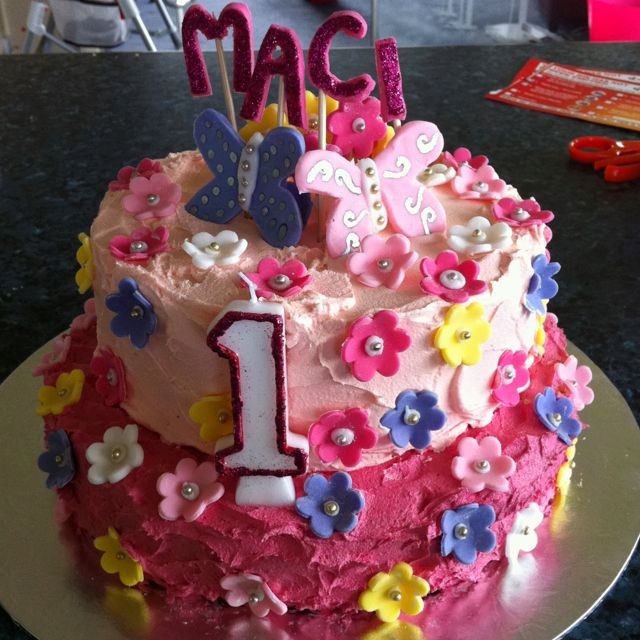 A Little Girls 1st Birthday Cake I Made At Short Notice She Loved
