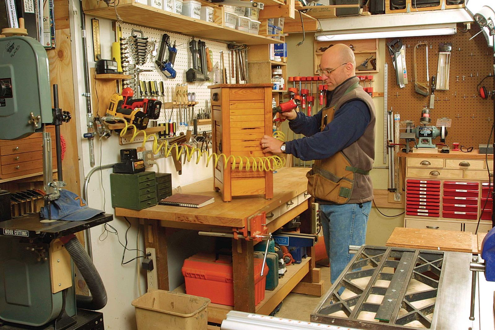 Small Shop Layout Woodworking In 2019 Workshop Layout