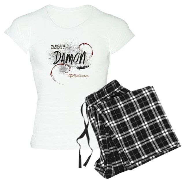 CafePress Snoopy On Heart Pajamas Womens Pajama Set