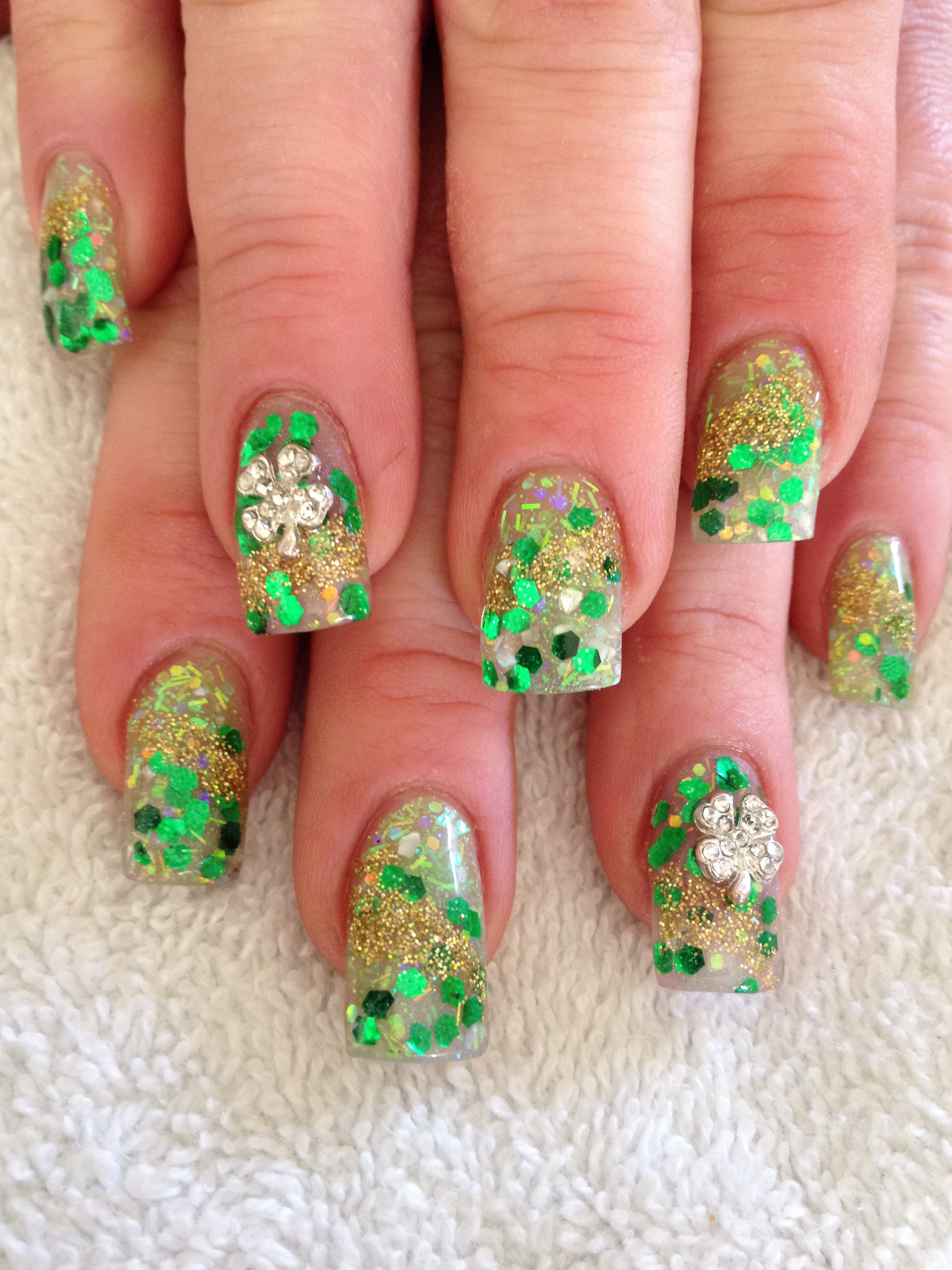 Acrylic St Patrick S Day Nails With Bling St Patricks Day Nails Saint Patrick Nail Nails