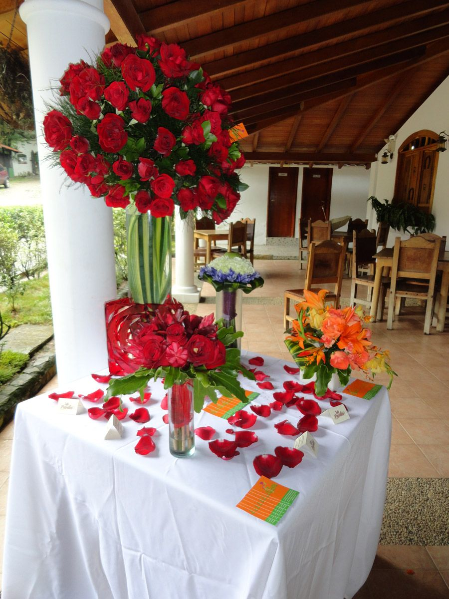 Mis Potrillos Centro Agro Turístico Table Decorations Flowers Decor