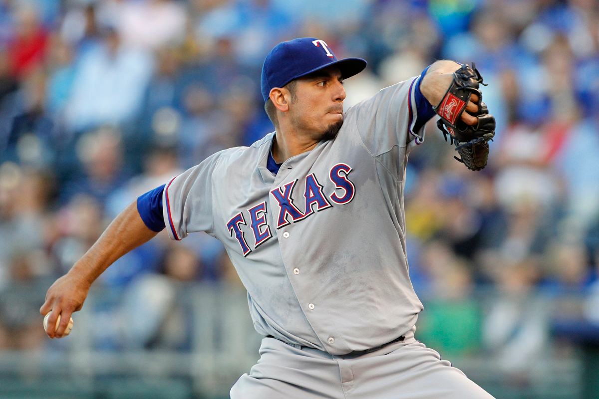 Garza dominates as Rangers get 3-1 win against Royals to keep pressure on the Wild Card race ... 9/21/13