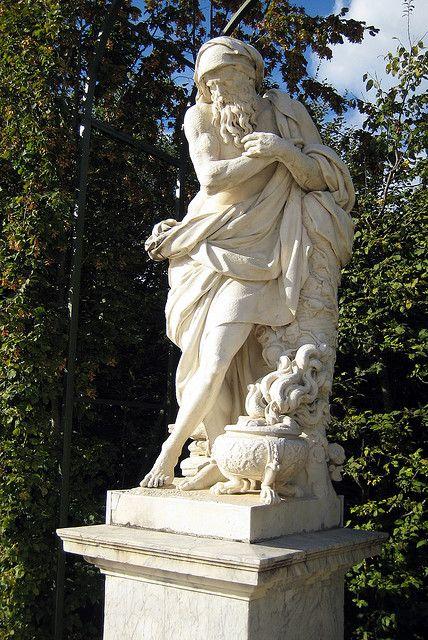 Versailles statues pinterest le chateau de - Le jardin de versailles histoire des arts ...