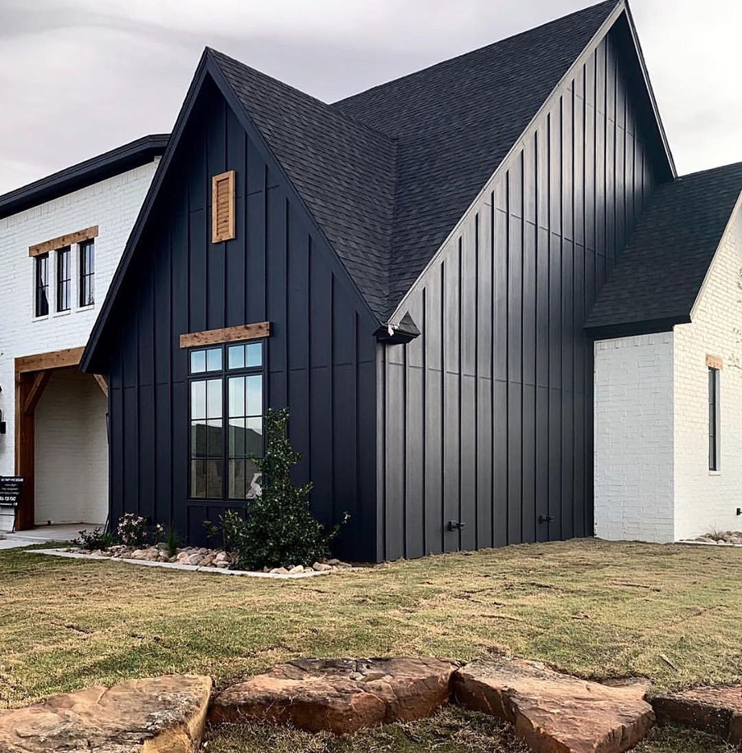 Riverside Design Home Decor On Instagram This Modern Farmhouse From Twothirtyfivedesigns Modern Farmhouse Exterior Farmhouse Exterior Metal Building Homes