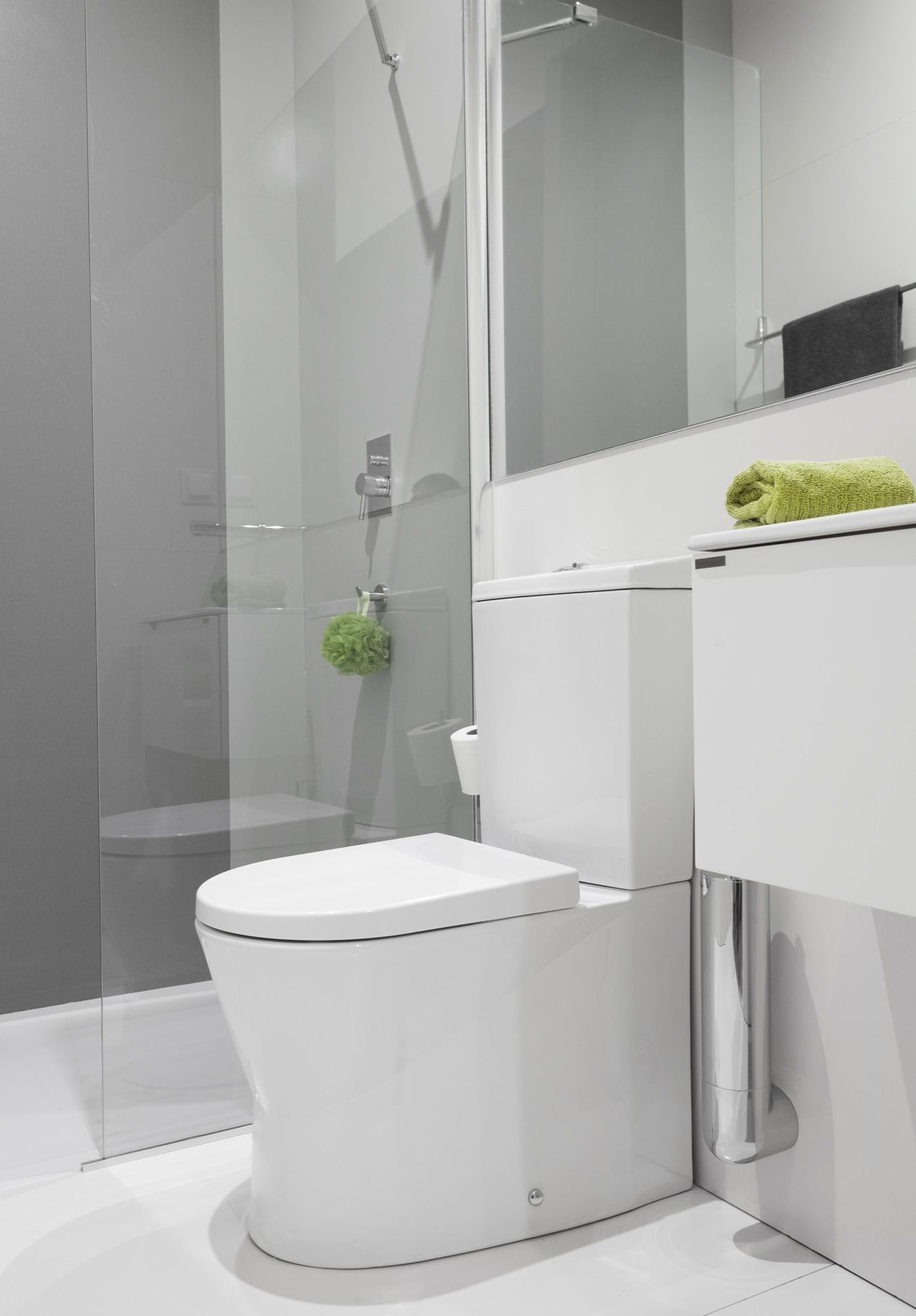 Narrow bathroom with Sanindusa products. Small toilet size. Small ...